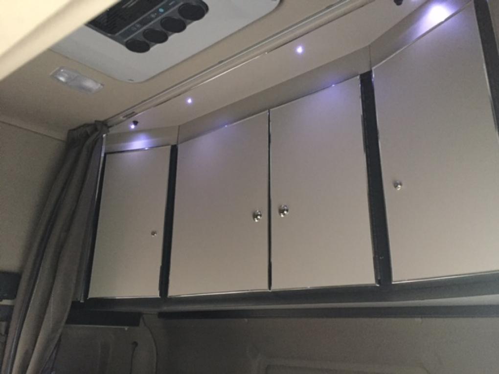 Badkamerkast Met Lamp : Scania r topline schränk hinten