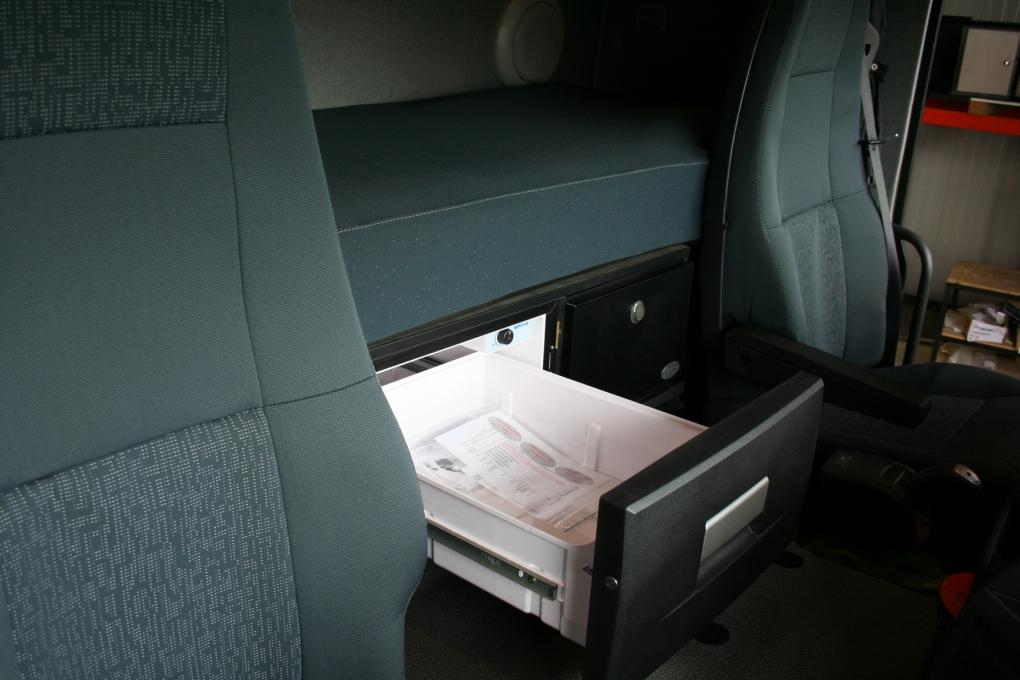 Kühlschrank In Auto Einbauen : Volvo fm kühlschrank oder liter