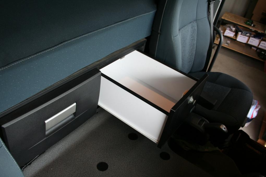 Auto Mit Eingebautem Kühlschrank : Volvo fm kühlschrank 30 oder 35 liter
