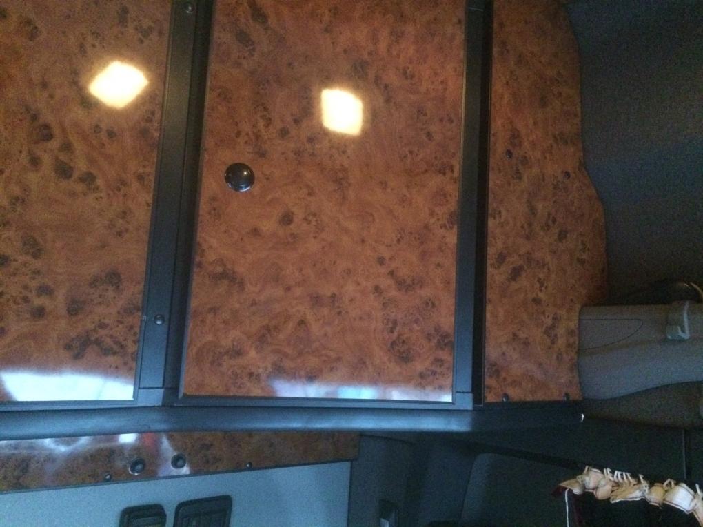 Zwarte Lage Kast : Scania s highline kast achter