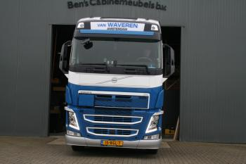 Volvo FH o4 van Waveren 1