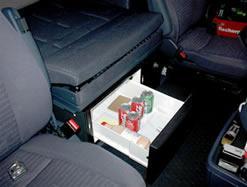 Scania r serie koelkast unit met 30 of 35 liter koelkast en lade - Bed na capitonne zwarte ...